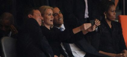 Самое знаменитое селфи Обама, Кэмерон и Торен-Шмитт