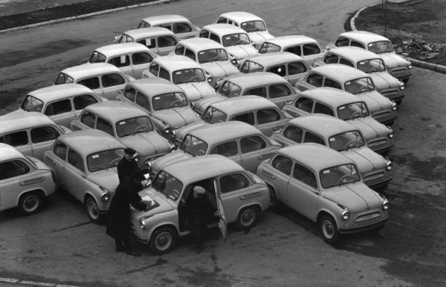 Новые «Запорожцы». 1960 год. © Николай Рахманов