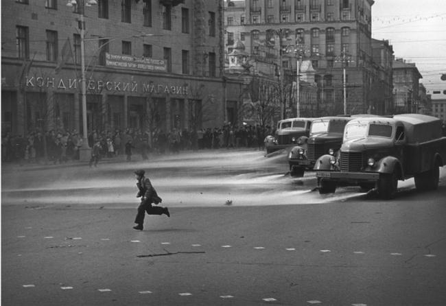 «Штрихи детства». 1957 год. © Леонид Лазарев