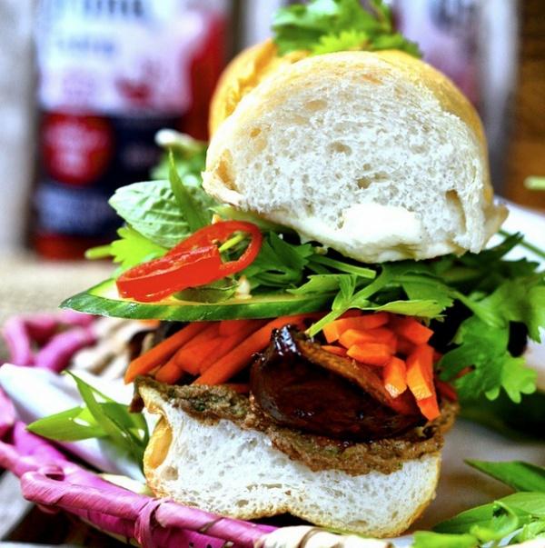 Банх ми вьетнамский бутерброд