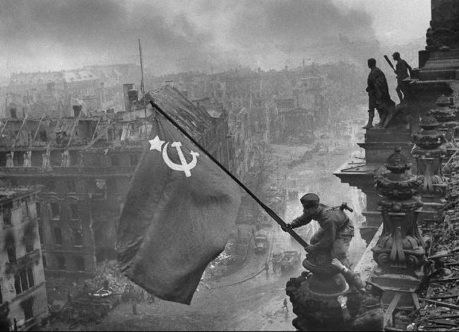 День Победы Евгений Халдей Рейхстаг