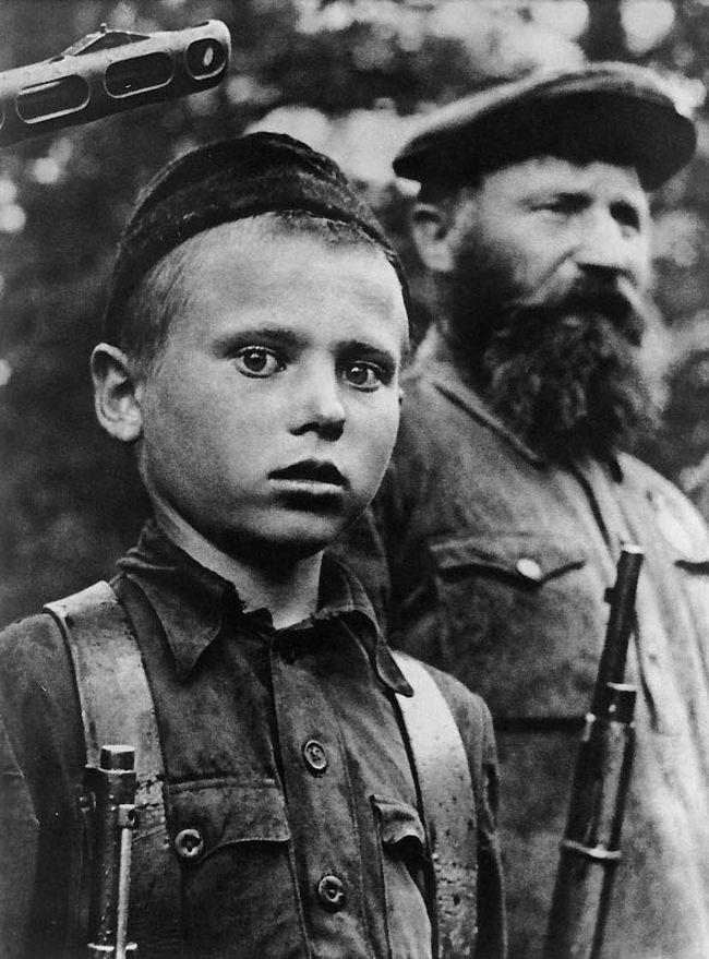 День Победы юный партизан