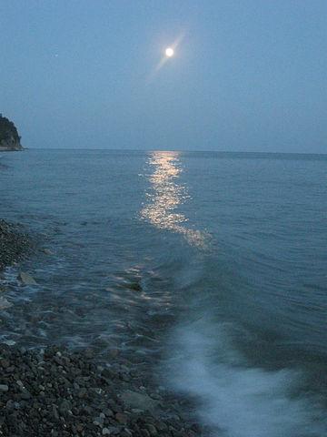 грекова щель 32 луна